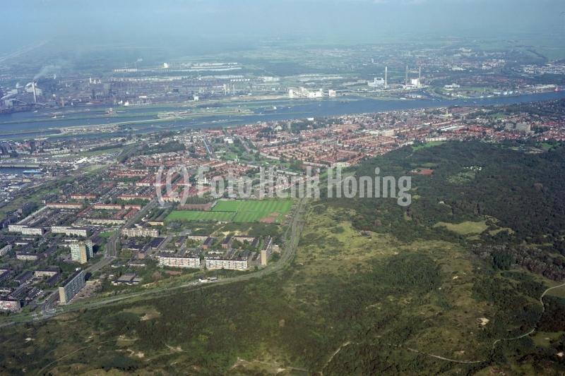 Velsen IJmuiden overzicht vanaf zuiden 1994