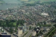 Nijmegen Centrum met Waal en brug 2000 lfh 000609032-073