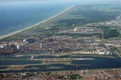 Velsen Sluizen Hoogovens Corus Hoog overzicht richting Wijk aan Zee 2000 lfh 000616088-084
