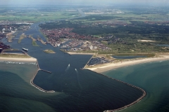 IJmuiden Pieren havenmond hoog overzicht richting Amsterdam 2000 lfh 000616097-086
