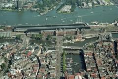 Amsterdam Damrak Centraal station het IJ 2000 lfh 000823048-148