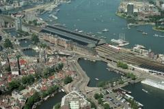 Amsterdam Centraal station Nicolaaskerk het IJ 2000 lfh 000823052-150