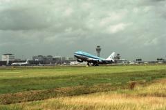 Schiphol Boeing 747 take off 2001 lfh 010701355-201