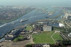Velsen-Noord Industrie terrein Grotehout CVG Sluizen Scheepvaart 3e Binnenhaven Corus 2001 lfh 011005012-175