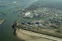 IJmuiden Havens bouw 3e haven IJmondhaven 2001 lfh 011005030-178