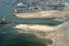 IJmuiden Zeehaven bouw  3e haven IJmondhaven TSHD Wado in aktie 2002 lfh 020424011-031