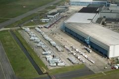 Schiphol-Oost Fokker hallen expo Reym auto's 2003 lfh 030405042-011