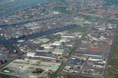 IJmuiden havens en industrie gebied 1988 lfh 88051532