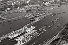 IJmuiden Sluizen midden en grote sluis renovatie middensluis Tor Scandinavia insluis 1993 lfh 9310207106-006