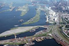Velsen-Nooord Cemij sluizen binnenhaven 3 richting zee 1988 lfh 88061530