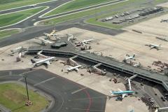 Schiphol Pieren en stations gebouw 1988 lfh 88071203