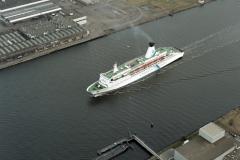 Amsterdam Noordzeekanaal Tor Scandinavia naar Noorder sluis 1993 lfh 89030417-40-28