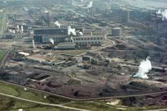 Velsen IJmuiden Hoogovens Heckett terrein Oxystaalfabriek 2 richting Noordzeekanaal 1989 lfh 89042716