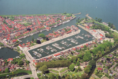 Medemblik overzicht centrum Pekelharing haven Kasteel Radbout  jachthavens 1989 lfh 89051754
