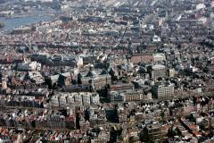 Amsterdam ,Centrum, ,Dam,Nieuwe kerk ,Paleis,Bijenkorf,Beurs,Stopera,1990 lfh 90031432