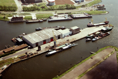 Velsen Velserkom gebouwen en havens 1990 lfh 90051710