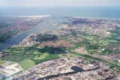 Beverwijk,Velsen-Noord,Overzicht,Havens,Noordzeekanaal,Sluizen,Pen,Hoogovens,Pieren 1990 lfh 90052219