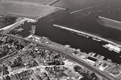 Wieringen haven met centrum 1990  lfh 9005234211-031