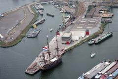 Velsen-noord Velserkom tac groep met Voc schip Amsterdam 1990 lfh 90080824