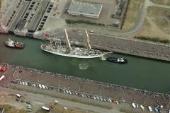 IJmuiden sluizen Sail 1990 Sagres in de Noordersluis LFH 90080938