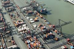 Rotterdam ,Waalhaven,havens, industrie,overslag, transport,scheepvaart,1990 lfh 90091128