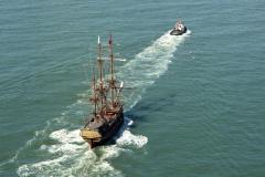 Noordzee,Scheveningen,sleepboot Zeeland,sleept, de Batavia,transport,scheepvaart,1990 lfh 90091154