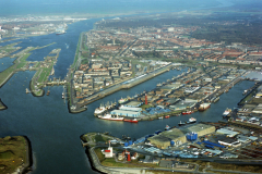 IJmuiden overzicht havens Zeehaven IJmuiden Vissershaven Haringhaven Sluizen Noordzeekanaal 1991 lfh 91032552