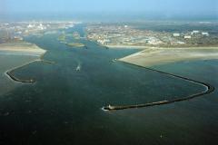 IJmuiden Pieren haven sluizen overzicht 1991 lfh 91032559