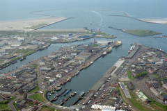 IJmuiden Haven Havenmond strand industrie terrein 1992 LFH 92050621
