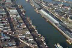 IJmuiden Zeehaven vissershaven drukte met dok 1992 lfh 9212296108-013