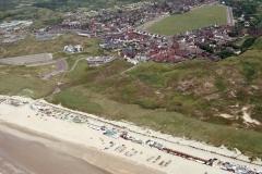 Wijk aan Zee starnd met strand paveljoens 1993