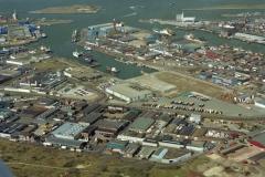 IJmuiden Zeehaven  Vissershaven Haringhaven met Manilijne 1995 lfh 95033026-003
