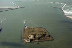 IJmuiden Forteiland richting zee 1995 lfh 95033036-004