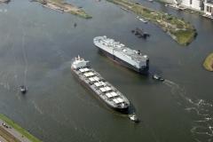 Velsen Velserkom Noordzeekanaal schepen passeren voor de Noordersluis 1995 lfh 95072234