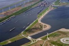 Bergen op Zoom Kreekrak sluizen Schelde Rijn verb Markiezaat meer Windmolens 1996  lfh 96050952-014