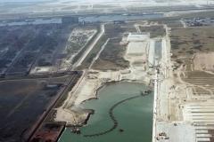 Rotterdam Europort Amazonehaven aanleg baggeren 1996 lfh 96050985-016