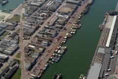 Ijmuiden Zeehaven Vissershaven drukte met schepen 1996 lfh 96080251-071