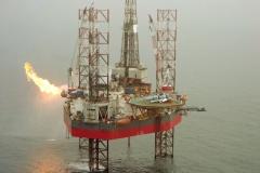 Noordzee M7-5 Neddrill 9 Flare met heli aan deck 1996 lfh 96100862-097