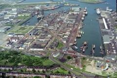 IJmuiden Zeehavens Seafox 4 in haringhaven 1997 lfh 97070446-043